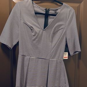 GUESS Medium black and white striped dress